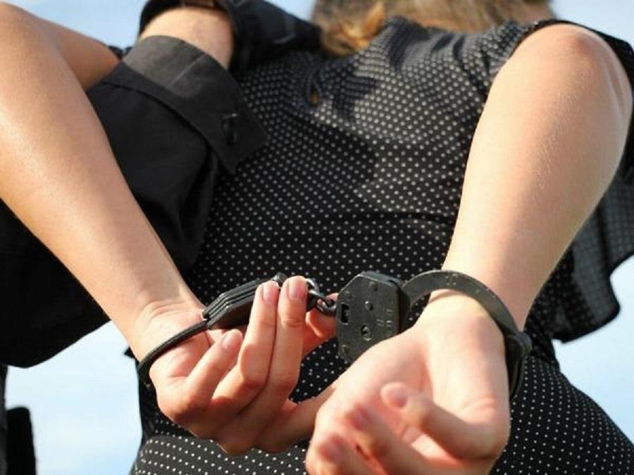 «Повысила» себе зарплату и похитила более 500 тысяч рублей