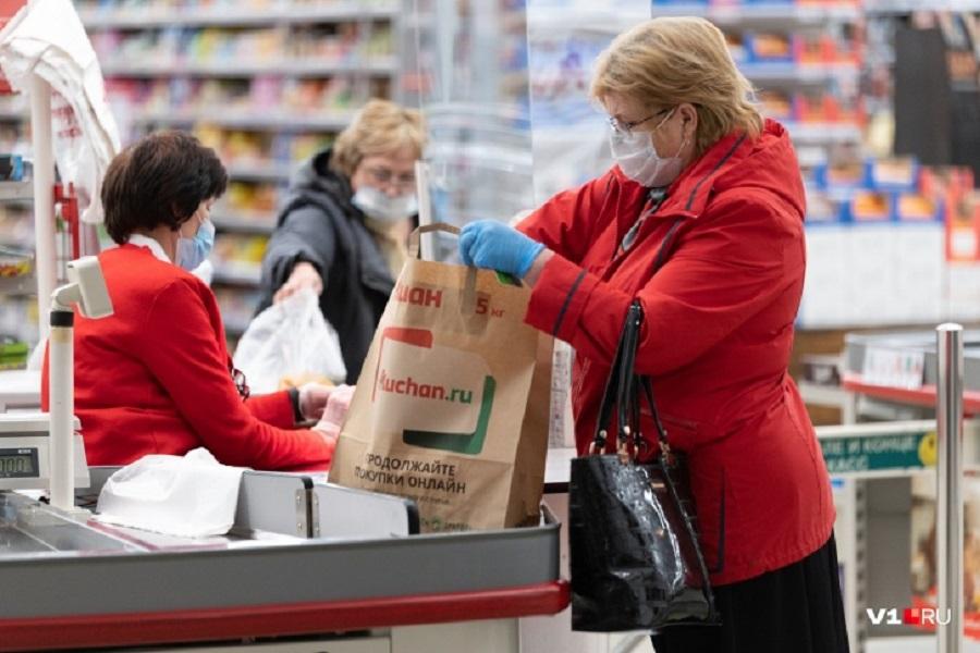 Пенсионерам Волгограда ограничили время похода по магазинам
