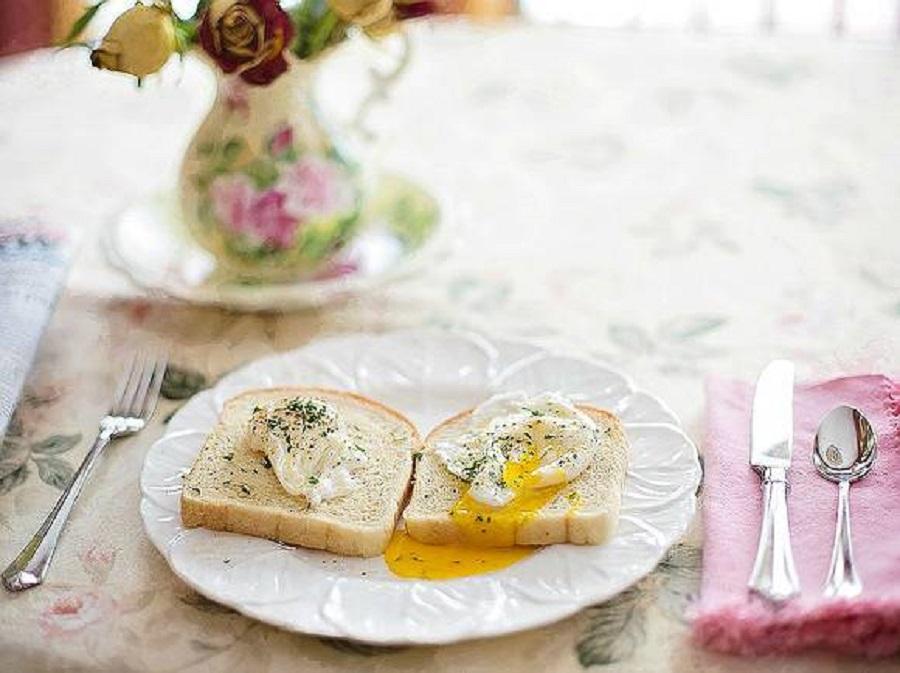 Почему лучше завтракать рано