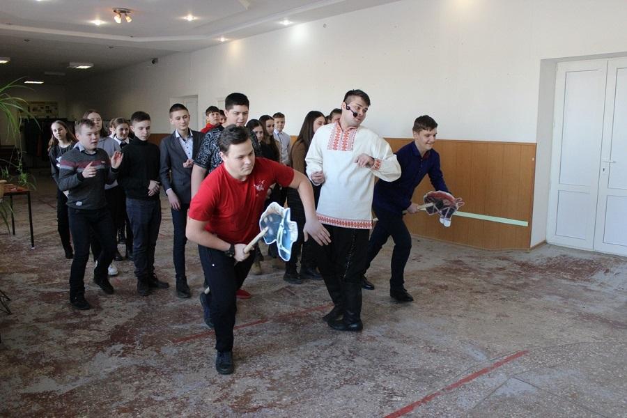 Тарасовский РДК: Весело играем, масленицу встречаем