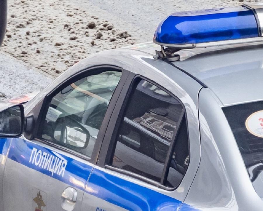 В Ростове объявлен в розыск мужчина, пытавшийся ограбить банк, угрожая кассиру гранатой