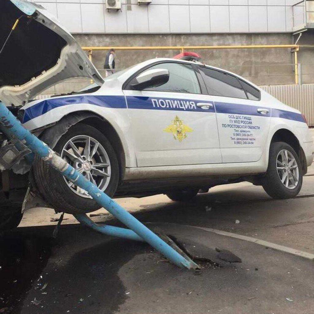 Патрульный автомобиль попал в ДТП