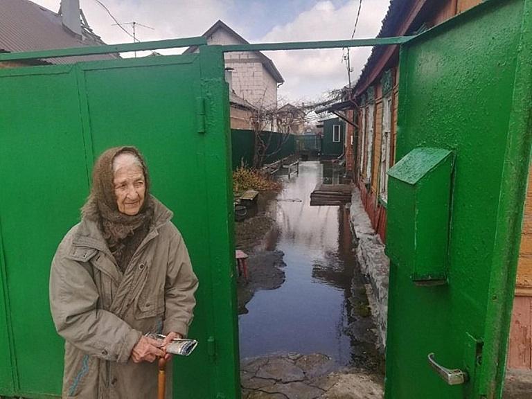На Дону прокуратура защитила 90-летнюю пенсионерку, дом которой затапливали дожди