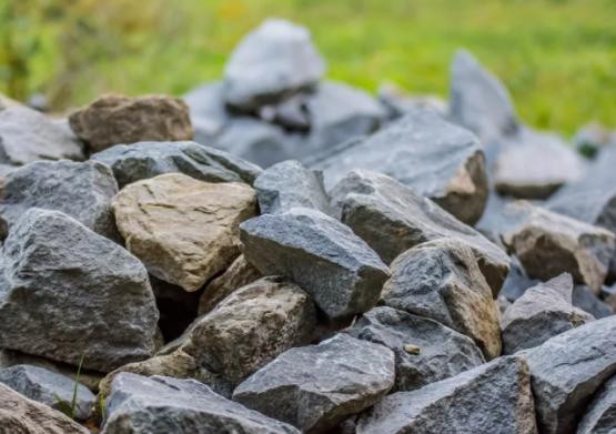 На Дону сотрудника РЖД будут судить за кражу шести тонн камня
